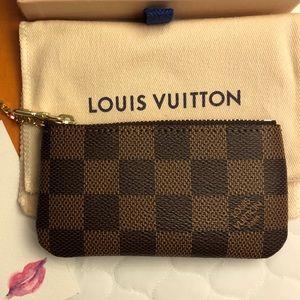 ⬇️Authentic💋 Louis Vuitton Key Pouch Damier Ebene